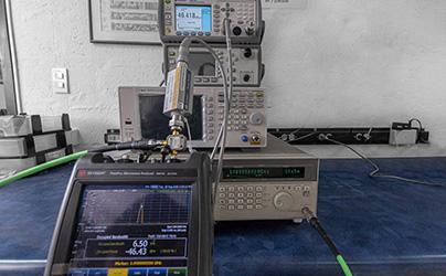 Analizadores de espectros, medidores de potencia y generadores RF